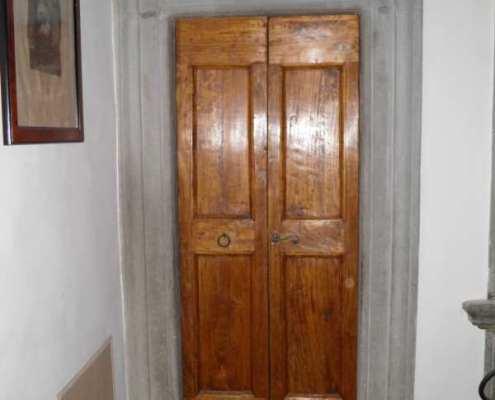 Restauro portoncini in legno - Falegnameria Ratoci