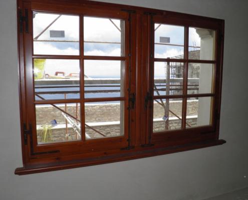 Finestre in legno Falegnameria Ratoci